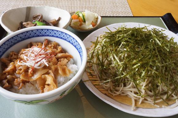 ミニ島豚丼とお蕎麦セット